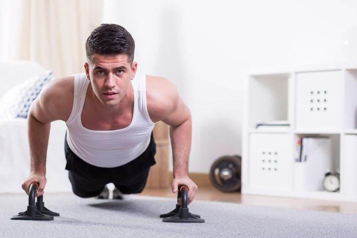 Exercises for the pectoral muscles for men, the advice of professionals.