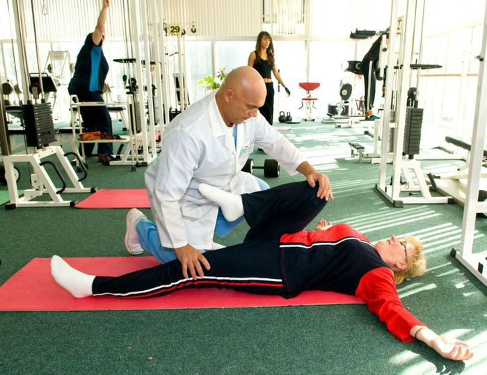 Bubnovsky: exercises for the knee and hip.