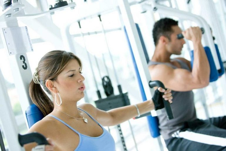 Exercises in the back in the gym: exercise correctly.