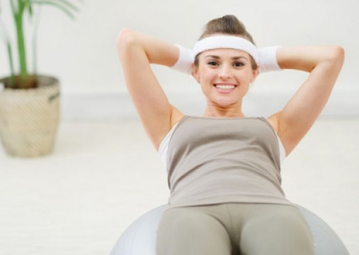 Exercises for the abdomen and sides: rules of training at home.