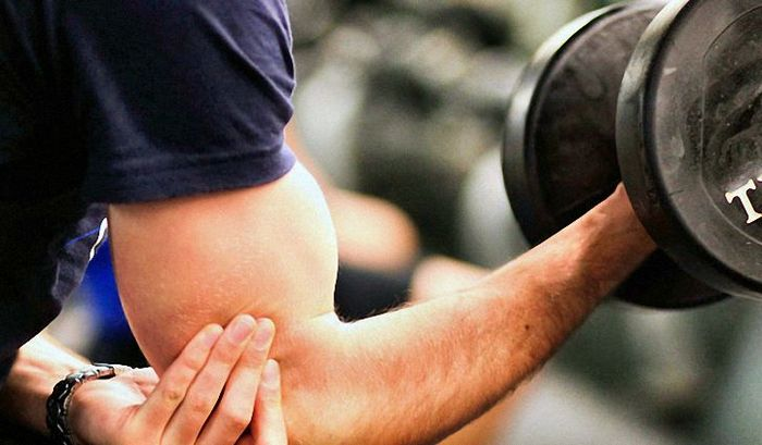 How to build muscle at home: tips and a series of exercises