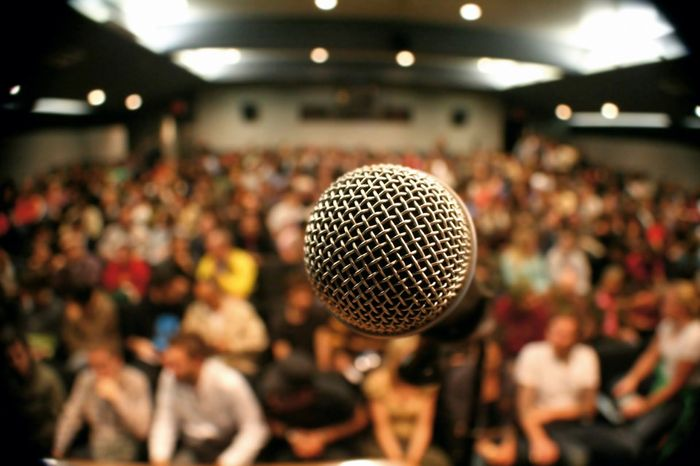 Fear of public speaking: how to overcome panic, emotion.
